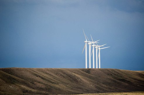 20120808-wind-turbines-wyoming.jpg.492x0_q85_crop-smart