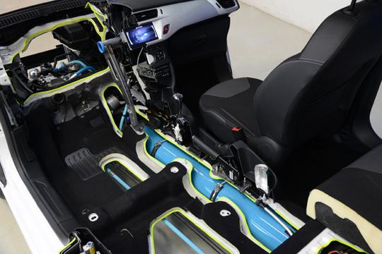 Peugeot hybrid-air_zoom