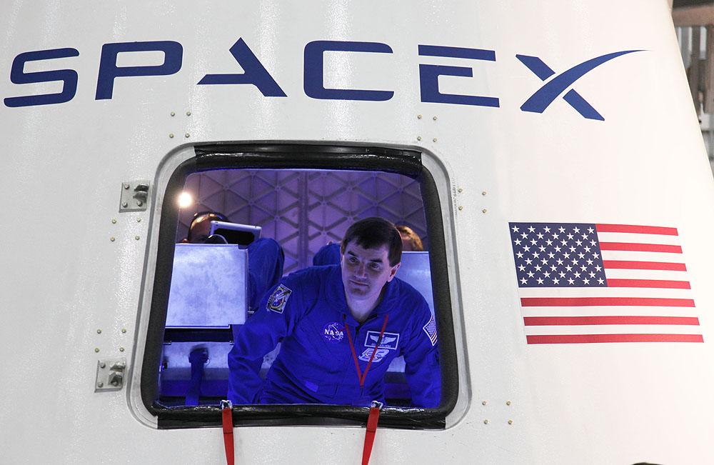 Dragon human crew capsule