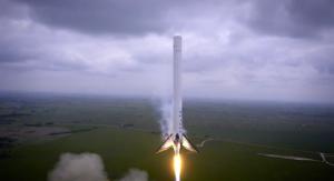 Falcon-9-hover-550x300
