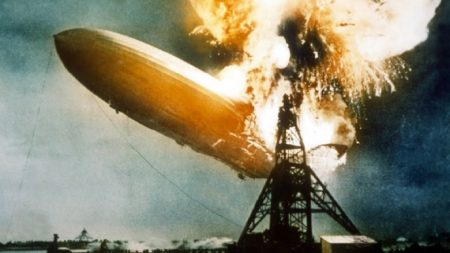 Hindenburg-fire-1937-e1494000101782.jpeg