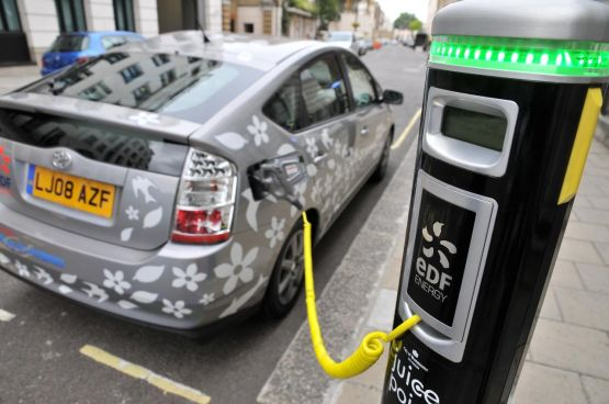 Uk Report Points To As Inflection Point For Proliferation Of Evs